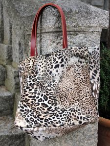 erde Leopardo Asa Naranja Árbol